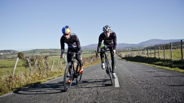 Mario Mola y Fernando Alanza continúan en el equipo triatleta de BH