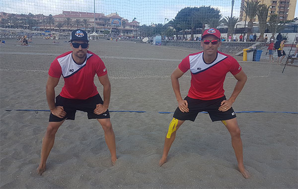 John Smith refuerza su apuesta por el voley playa