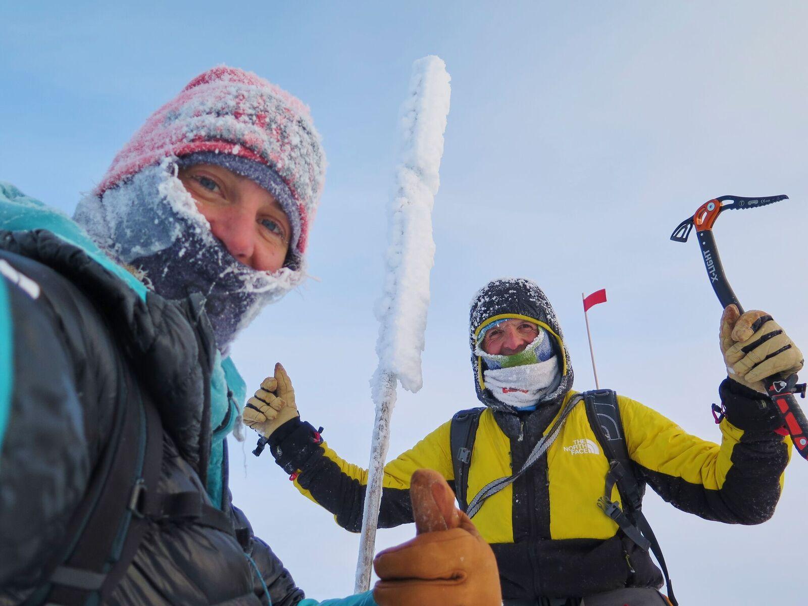 Tamara Lunger y Simone Moro hacen la primera escalada invernal del Gora Pobeda