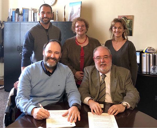 Acuerdo entre Grupo Duet y la escuela Jesuitas Sarrià para la formación de técnicos deportivos