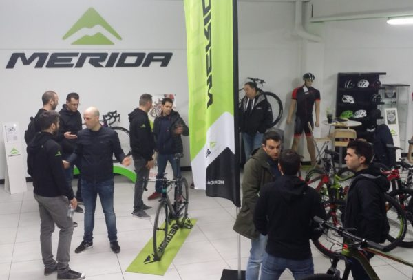 Merida Bikes se reúne con sus tiendas estratégicas