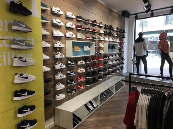 Nº1 en zapatillas se acerca a la veintena de tiendas