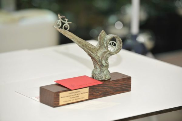 AMBE lanza la segunda edición de los premios 'Subámonos a la Bicicleta'
