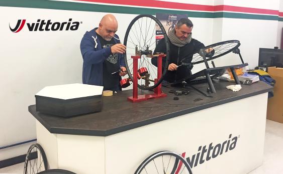 Vic Sports ofrecerá el servicio de garantía y reparación de Vittoria en España