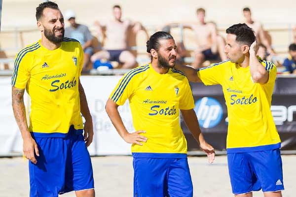 Incredulidad ante la apuesta de Adidas por vestir a los clubes modestos del fútbol español