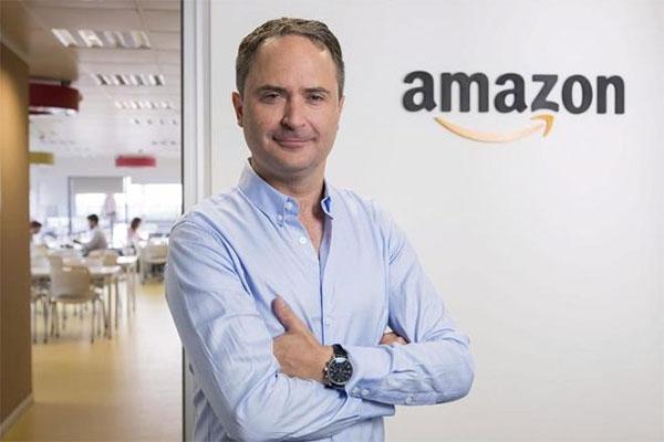 Dimite el director general de Amazon España