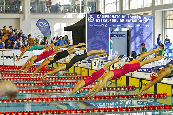 Fluidra se vuelca con las competiciones nacionales de natación