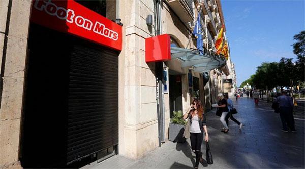 Foot on Mars debuta en Tarragona en una antigua tienda Adidas