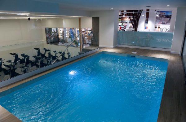 La experiencia de la primera tienda con gimnasio en España