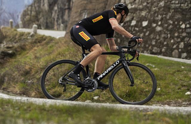 Pirelli presenta un nuevo neumático multiusos para ciclistas