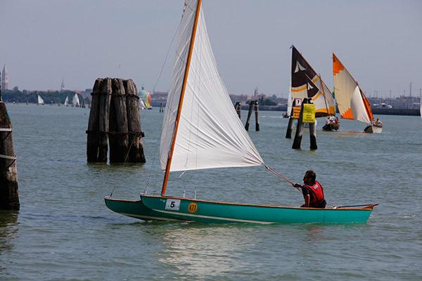 Venecia se enamora del patín a vela