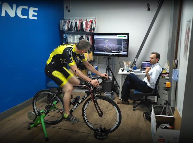 Instan a las tiendas a equiparse con tecnología para mejorar la experiencia del ciclista