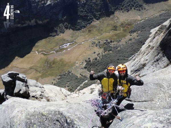 Los hermanos Pou quieren escalar el segundo cuello volcánico más grande del planeta