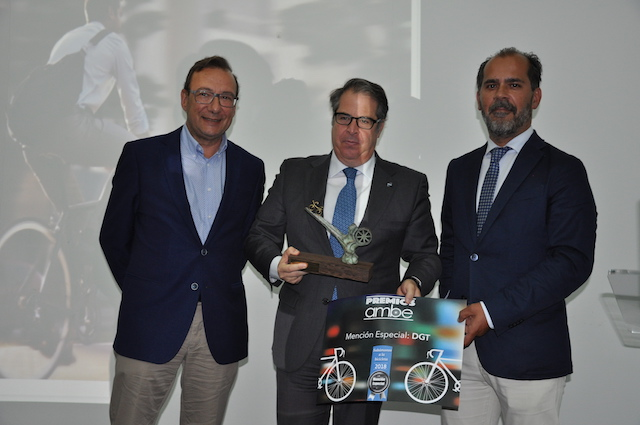 La DGT incrementará las rutas ciclistas protegidas