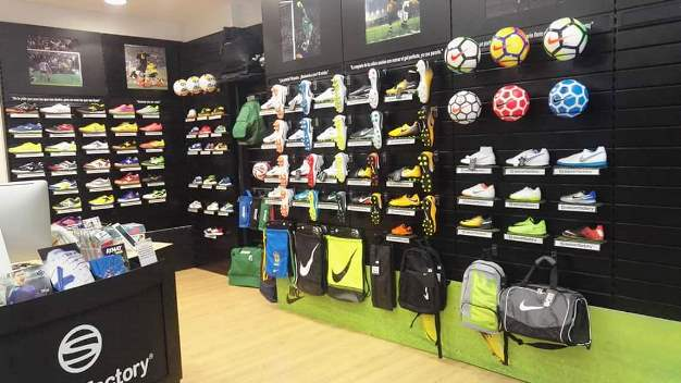 Soccerfactory impulsa alianzas estratégicas con pequeñas tiendas de fútbol