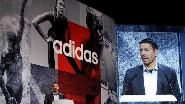 Adidas quiere limar asperezas con las tiendas para impulsar su división e-commerce