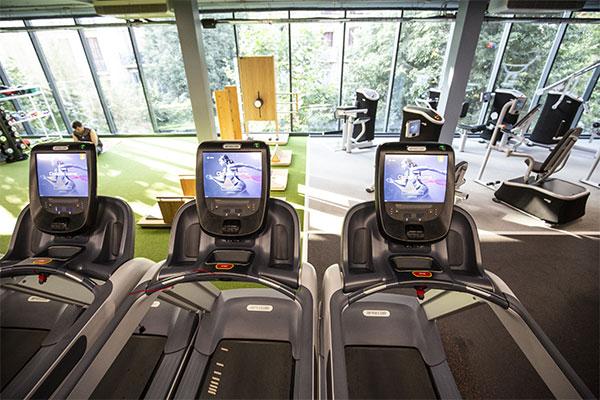 El CEM Joan Miró estrena su área de fitness 100% conectada