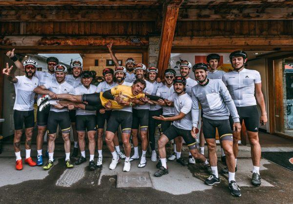 Le coq sportif homenajea a Pedro Delgado 30 años después de su victoria en el Tour