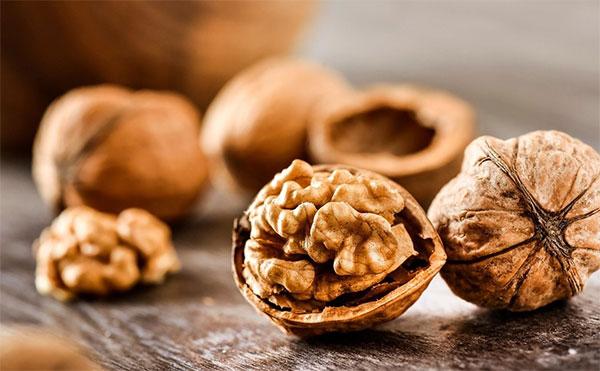 Los beneficios de comer nueces para los corredores