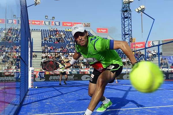 El pádel dispara su número de federados en España y se acerca al tenis