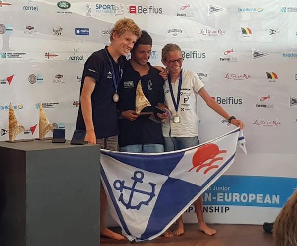 Jan Mateos conquista la Copa de Europa 2018 de patín a vela junior