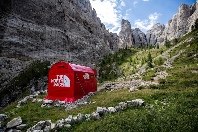 The North Face abre una tienda pop-up en medio de los Dolomitas