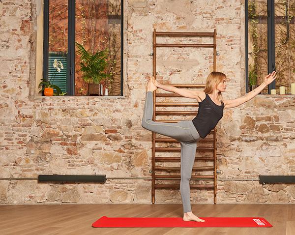 Uniqlo quiere potenciar su línea de yoga con un evento en Barcelona ... 77e2fe7969c1