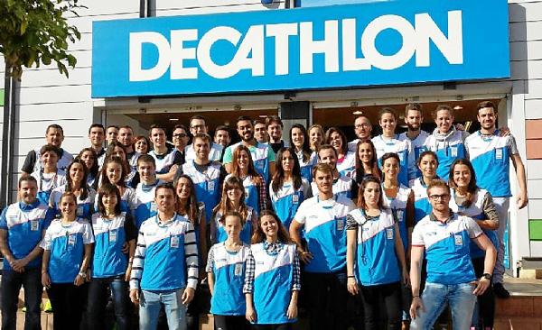 Decathlon insta a sus vendedores a 'salir a la calle' a captar nuevos clientes