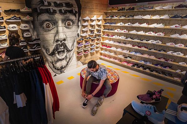 Las tiendas de sneakers Dooers aterrizan en Gijón