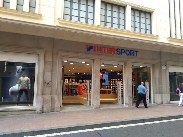 Intersport inaugura su nueva tienda en Reus
