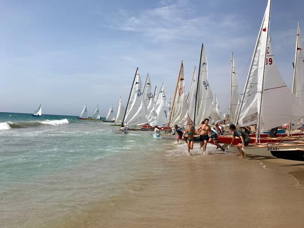 La flota patinista de Sant Salvador ultima su regata-show