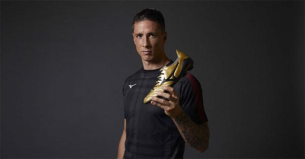 Mizuno ficha a Fernando Torres para crecer en fútbol