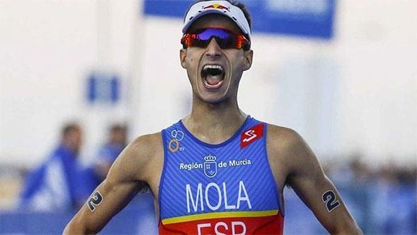 Mario Mola logra su tercer campeonato del mundo consecutivo