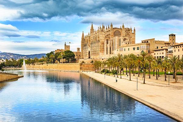 Sano Center da el salto a Mallorca y se refuerza en Andalucía