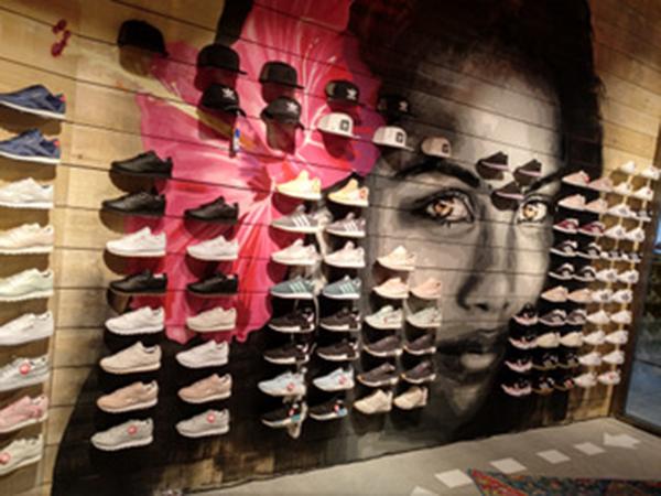 Dooers abre su tienda número 13 en Vitoria