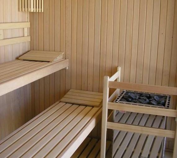 El Club de Tennis Urgell estrena saunas finlandesas