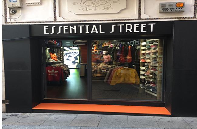 Essential Street inaugura nueva tienda en Plasencia