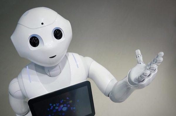 Pharos, un robot para que las personas mayores hagan ejercicio