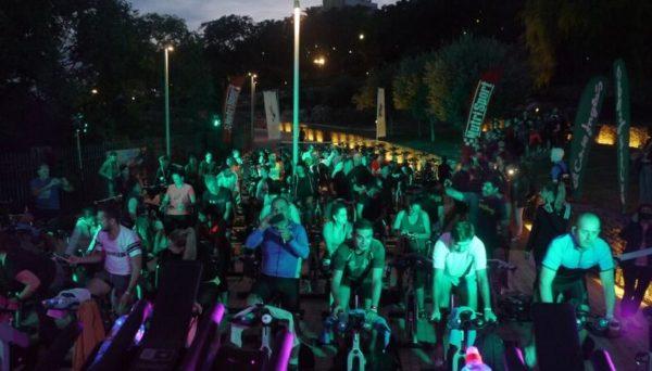 Viding llenó el Anfiteatro de Tarragona de pedales solidarios