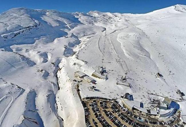 """Dicen que las estaciones del norte """"se han convertido en parques de nieve"""""""