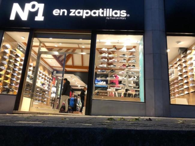 Nº1 en zapatillas by Foot on Mars supera las 30 tiendas tras abrir en Astillero