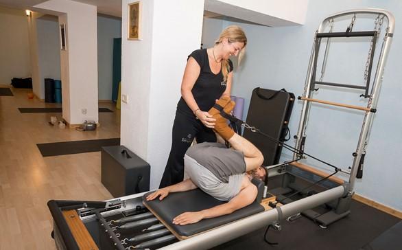 Centro BeYoga Pilates   Yoga. Barcelona. Se trata de un estudio  especializado en Pilates auténtico  Pilates con máquinas y Mat Pilates. b03ce938b87a