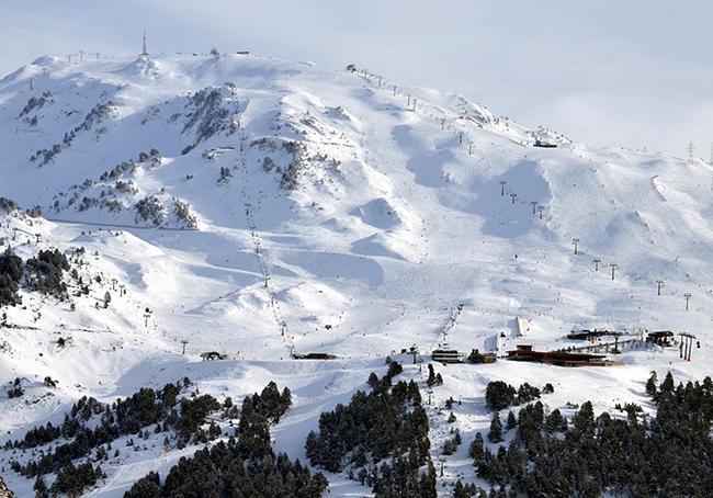 Baqueira Beret amplía su superficie esquiable gracias a las últimas nevadas