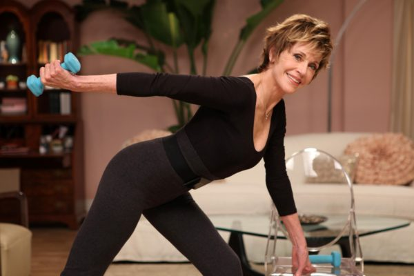 Evine y Jane Fonda lanzarán una línea de fitness para mujeres de más de 50 años