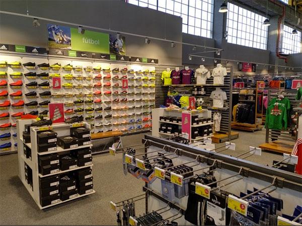 Forum Sport rebasa las 50 tiendas con su llegada a Zarautz