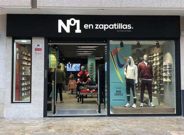 Nº1 en zapatillas by Foot on Mars abre en Valdepeñas su tienda número 33