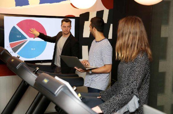 Trabajar de pie: WeWork se alía con Technogym