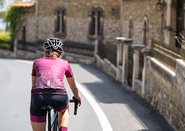 Lazer sortea tres inscripciones para la Andalucía Bike Race