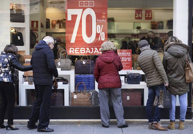 Los españoles gastarán más en estas rebajas
