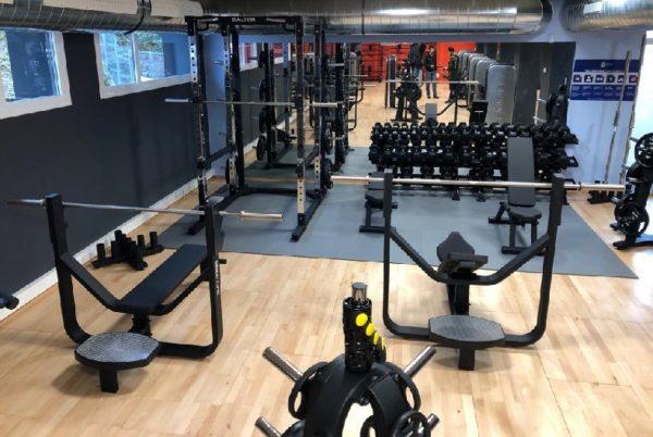 Salter equipa el gimnasio del Polideportivo municipal Altza